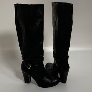 Marc Fisher women's boots size 6.5 black leather